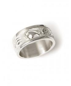 Sterling silver bear ring by Robert Taylor (Navajo)